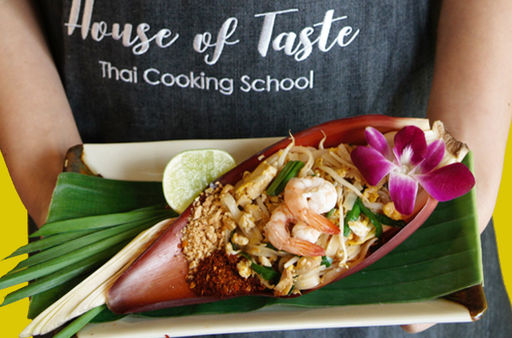 House of taste thai cooking school hands on thai cooking class with hands on thai cooking class with market tour in the biggest fresh market in bangkok forumfinder Images