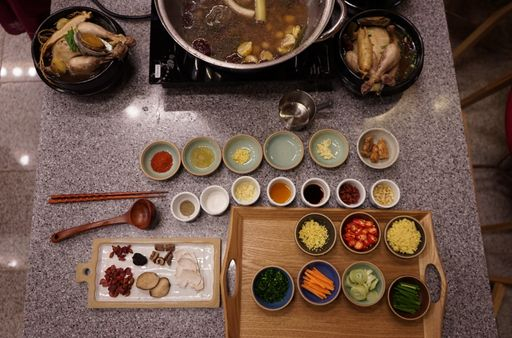 Ome cooking lab korean home cooking class with food ingredients authentic korean cooking with herbal medicine and local market tour forumfinder Gallery
